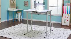 Baby Lock Regent Smooth, Adjustable Table