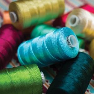 Wonderfil Razzle™ - 6ply Rayon Thread
